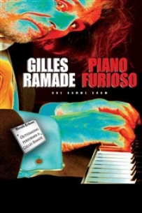Gilles RAMADE interview� par St�phane Pontacq sur le Podium de CAP SUD pour pr�senter son spactacle PIANO FURIOSO